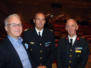 Vid det välbesökta försvarsmötet i Ängelholm deltog bland andra Stig Rydell, f d yrkesofficer i Flygvapnet, Anders Jönsson, stabschef på F 17 i Kallinge, och Anders Svensson, chef för Luftvärnsregementet i Halmstad.