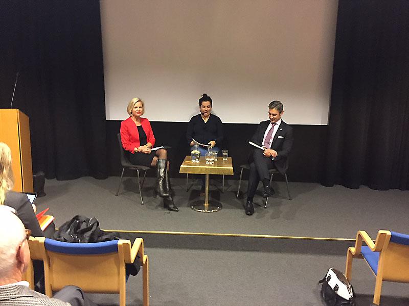 Anna Wieslander från Allmänna Försvarsföreningen, Damon Wilson från Atlantic Council samt Minou Sadeghpour, styrelseledamot i AFF. Foto: AFF.