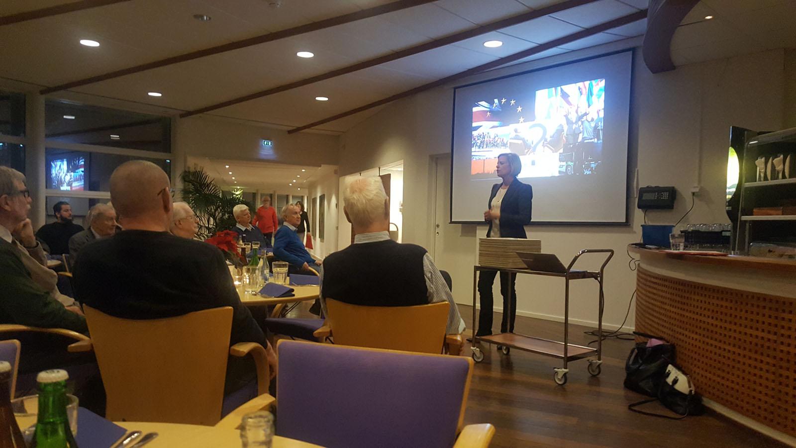 Anna Wieslander förklarade att Storbritannien agerar för att behålla Natos styrka, något som blir ännu viktigare efter Brexit. Foto: Lennart Ljungfelt.