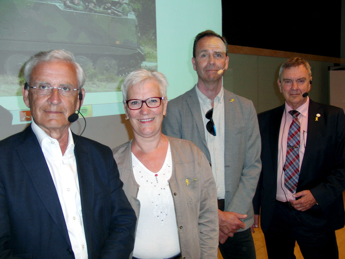 Vid vårens försvarsforum i Malmö deltog, från vänster, generalmajor Karlis Neretnieks samt från försvarsutskottet: Åsa Lindestam (S), Allan Widman (L) och Roger Richtoff (SD). Foto: Pontus Persson.